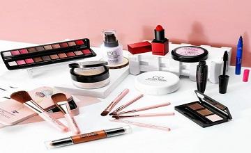 Girls Makeup photo